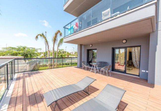 Appartement avec terrasse à 100 mètres de la mer